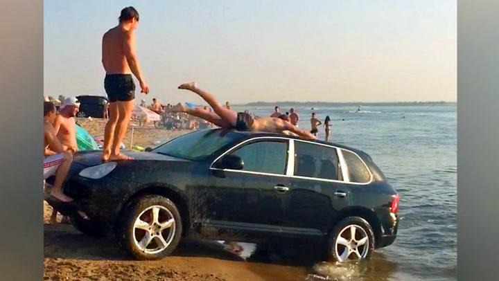 I Russland brukes luksusbiler som vannsklier