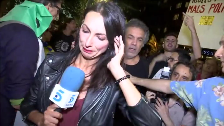 Una reportera de Tele 5 es acosada durante una manifestación independentista