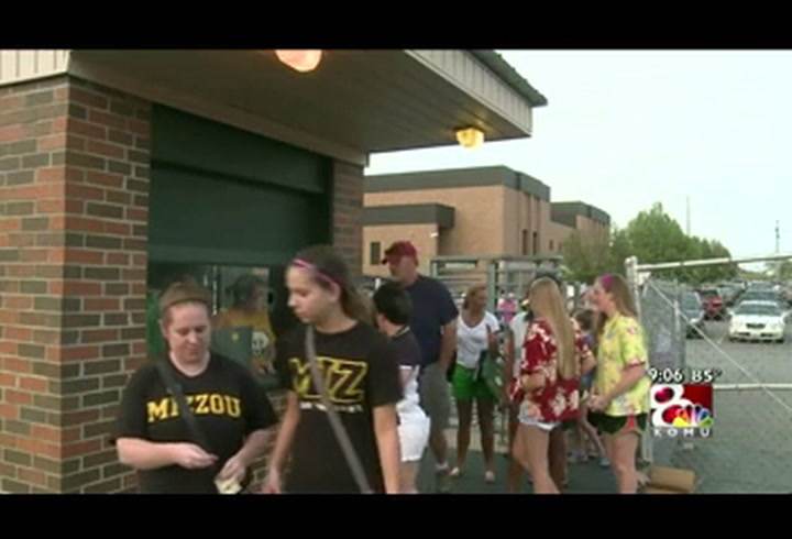 High school football kicks off in heat wave
