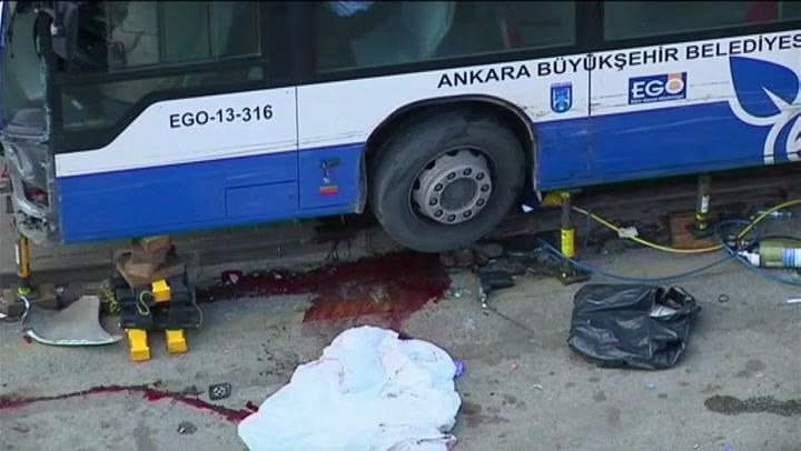 Twaalf doden bij busongeluk in Ankara