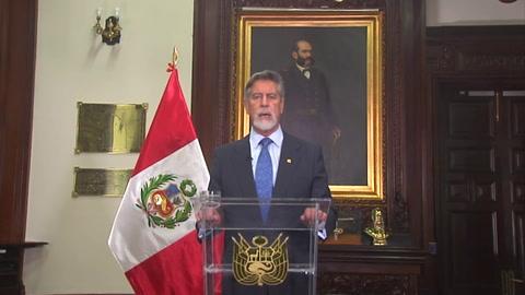Nuevo presidente de Perú reforma la Policía tras represión a manifestantes