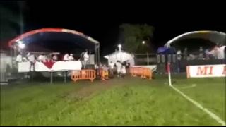 Ira de Fernando Araújo y lluvia de artefactos tras empate en el Real Sociedad-Vida