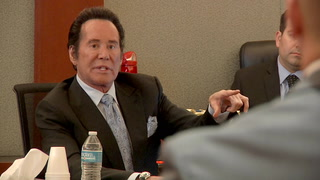 Wayne Newton testifies during burglary trial