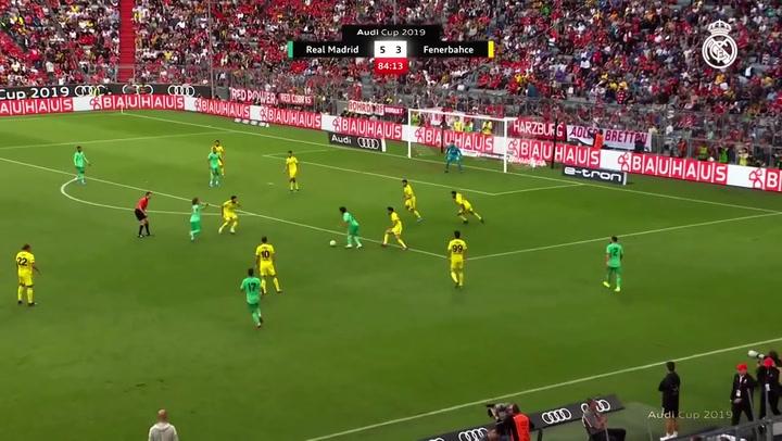 Resumen y gol de Mariano en el partido amistoso Real Madrid 5-3 Fenerbahçe