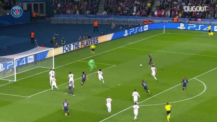 Dani Alves' Top Five Paris Saint-Germain Goals