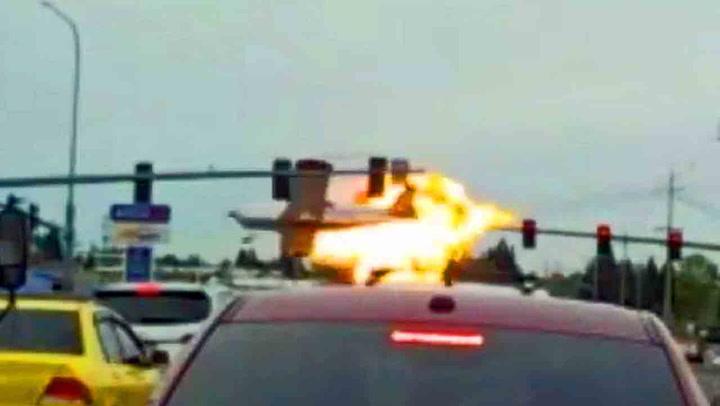 Flyet går opp i flammer - et under at ingen blir skadet