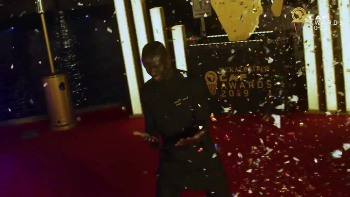 Sadio Mané recibe su primer Balón de Oro africano