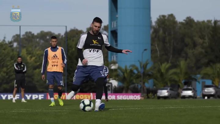 La selección albiceleste continua con los entrenamientos, ahora ya con Messi