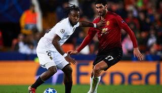 Manchester United desaprovecha el pinchazo de la Juventus y cae ante el Valencia