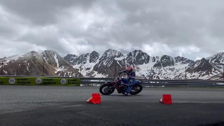 Alex Rins ha vuelto a coger la moto
