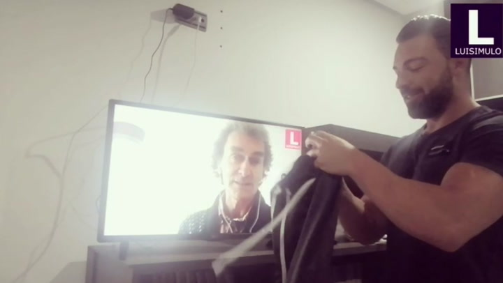 El vídeo más divertido con la curva y el pico de Fernando Simón