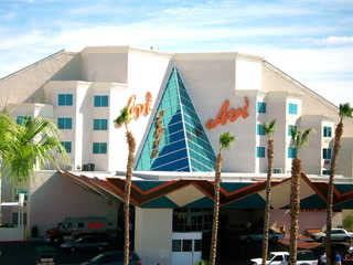 Laughlin casino closing again after employees test positive