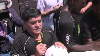 Maradona deja los Dorados de México por motivos de salud