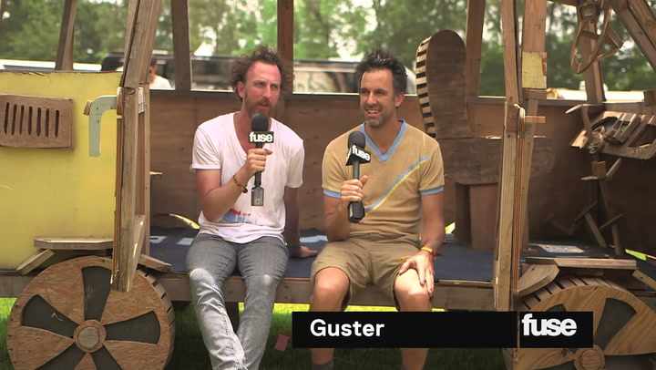 Bonnaroo 2015: Guster Feeds Hippies With Cereal At Bonnaroo
