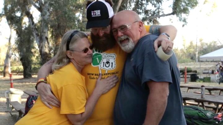 Sykler 900 kilometer for sin avdøde sønn