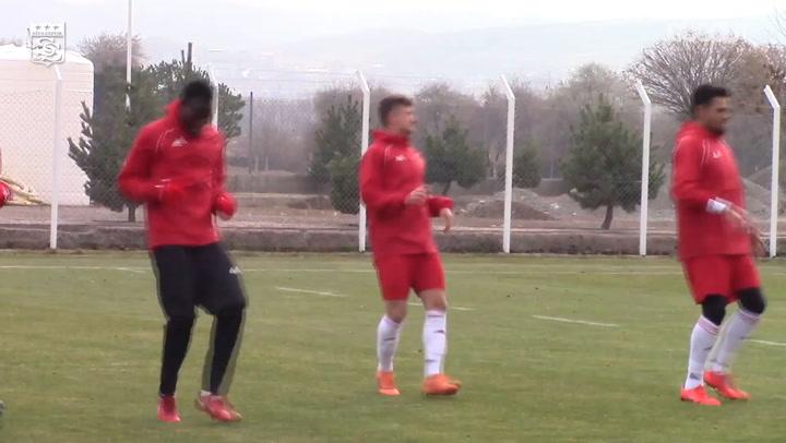 Sivasspor'da Kasımpaşa Hazırlıklarını Sürdürüyor