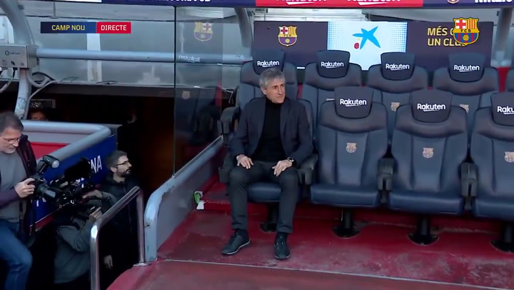 Setién ya se sienta en el banquillo del Camp Nou