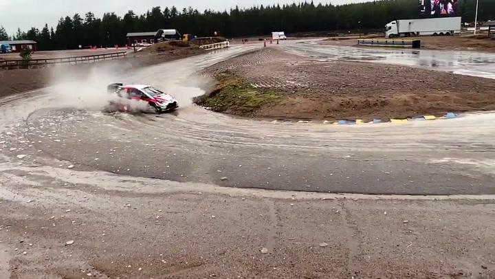 Evans gana en Suecia con el Toyota y presenta su candidatura al título