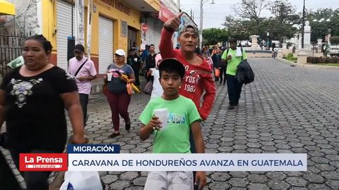 Caravana de hondureños avanza en Guatemala