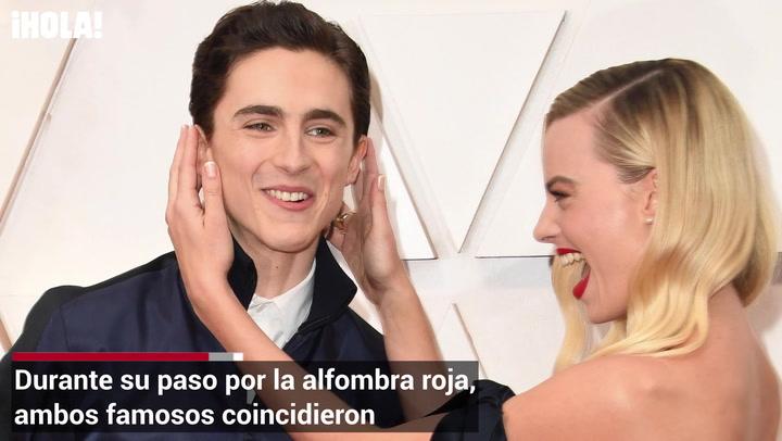 El divertido momento de Margot Robbie y Timothée Chalamet en la red carpet