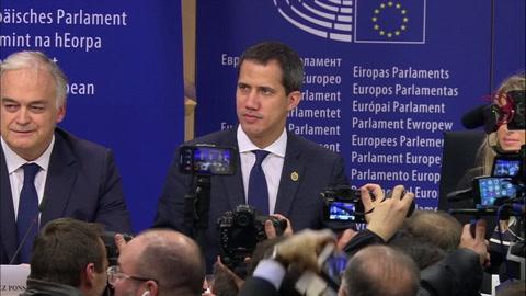 Venezolano Guaidó pide más acciones a una UE que le reitera su