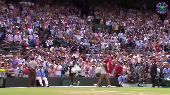 'Coco' Gauff recibe la cerrada ovación de Wimbledon tras caer ante en octavos ante Simona Halep