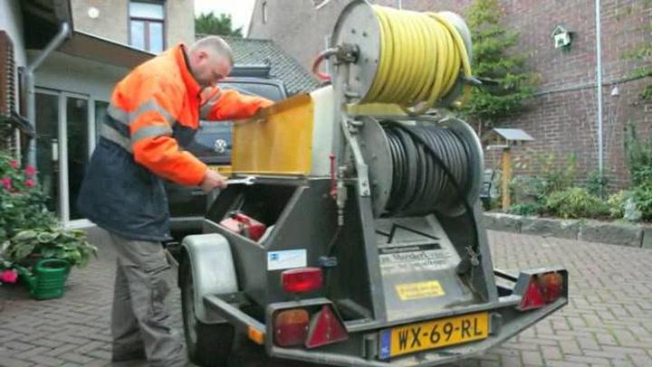 Dakdekkers-Loodgietersbedrijf v Moerkerk VOF