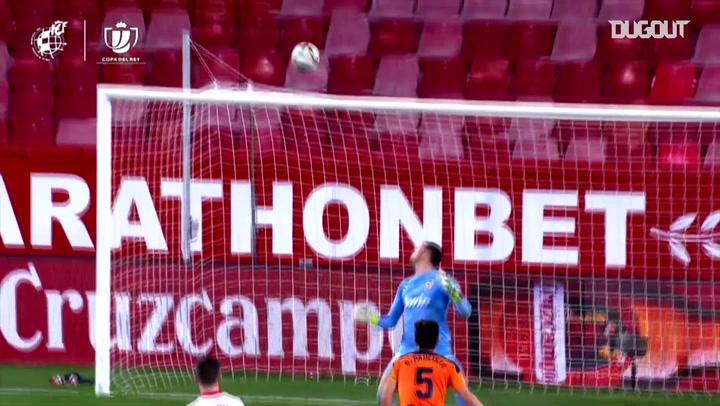 Rakitic's impressive chip goal vs Valencia