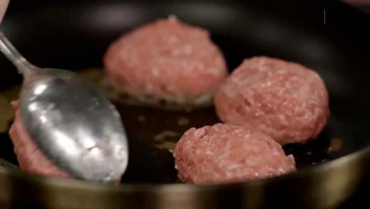 Hvordan lage kjøttkaker fra bunnen
