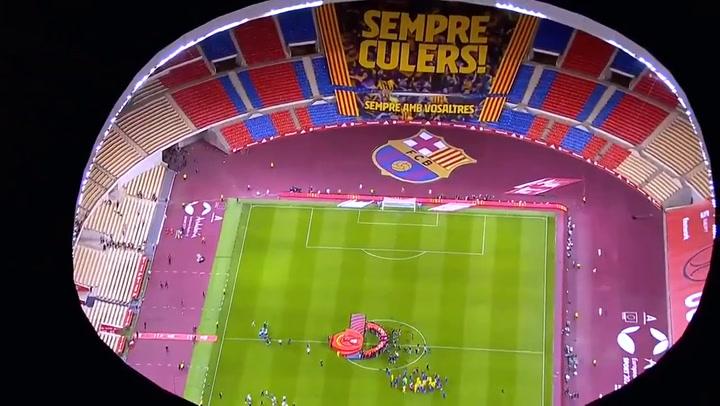 La pancarta gigante del Barça en el estadio de la Cartuja ¡Sempre culers, sempre amb vosaltres! a vista de pájaro