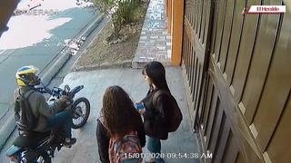 Captan motociclista asaltando a jóvenes en colonia Miramontes
