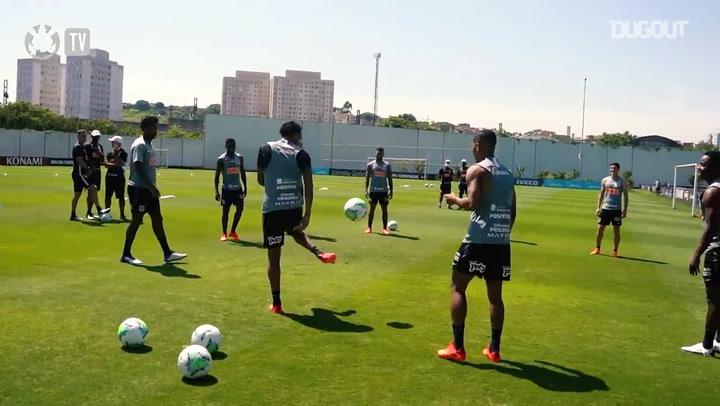 Corinthians training session focused on Fortaleza, at CT Joaquim Grava