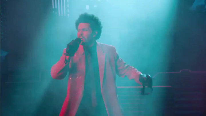 The Weeknd defrauda con su show del descanso en la Super Bowl