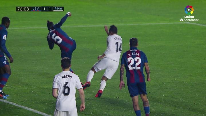 LaLiga: Levante - Real Madrid. Gol de Gareth Bale en el minuto 78 (1-2) tras un polémico penalti sobre Casemiro