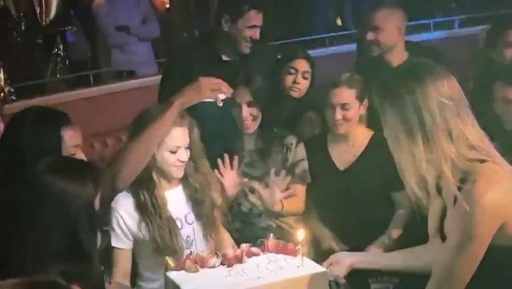 Shakira celebró su cumpleaños con una fiesta sorpresa