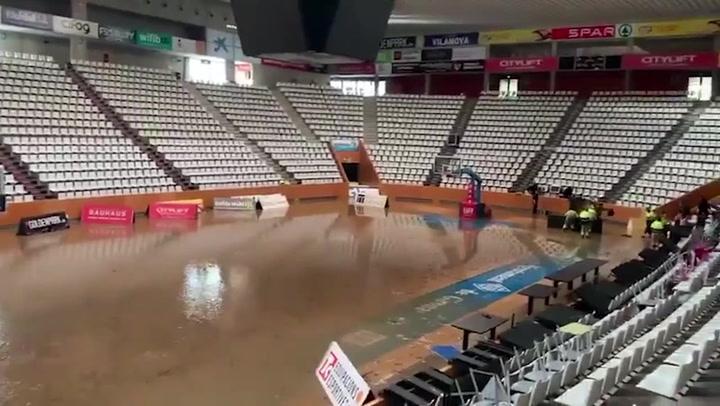 El pabellón de Fontajau, inundado