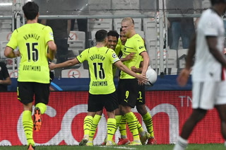 Erling Haaland no para de anotar y le da el primer triunfo al Borussia Dortmund en la Champions 2021