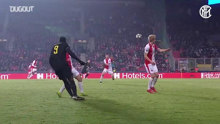 Lautaro Martinez'in Slavia Prag Ağlarına Harika Volesi