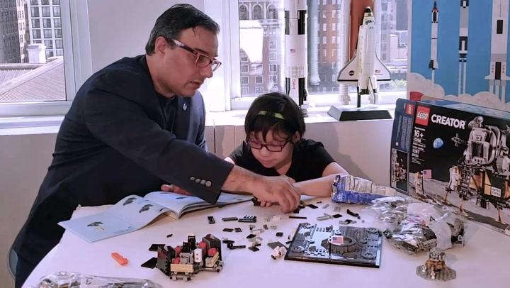 Lego Apollo 11 Lunar Lander Build
