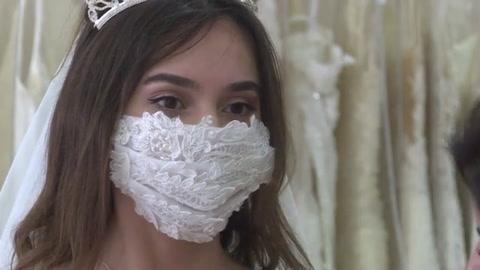 Cubrebocas para novias, nuevo accesorio en Turquía