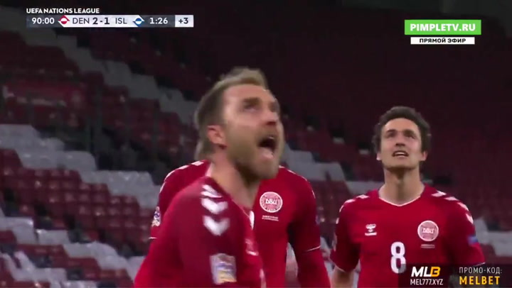 Un gol de penalti de Eriksen en el añadido le da esperanza a Dinamarca
