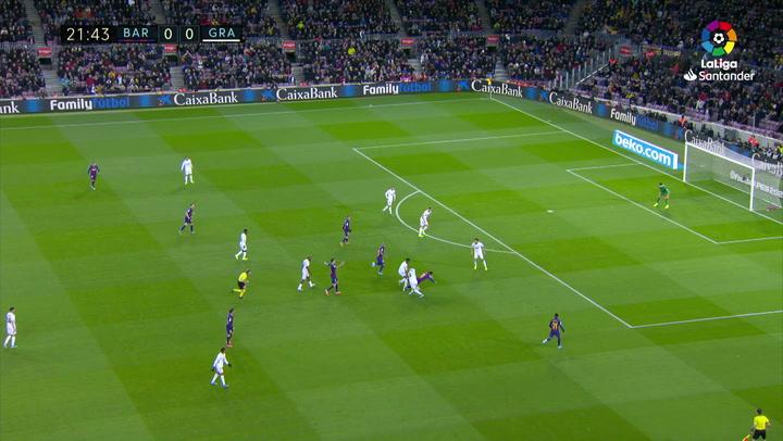 El espectacular caño de Messi a Gonalons