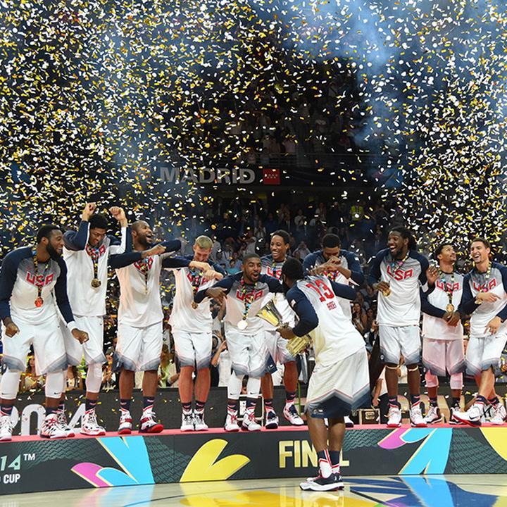 2014 USA Basketball Holiday Card