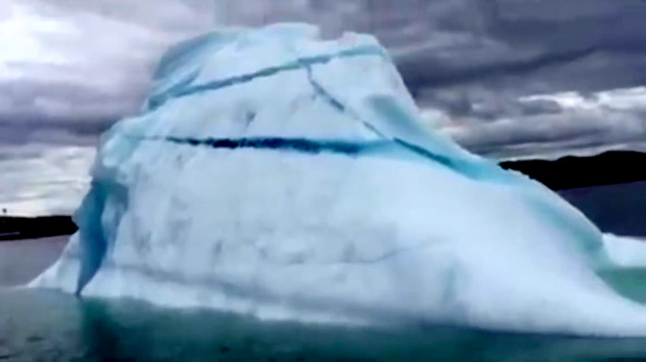 Majestetisk velt – her snur hele isfjellet seg