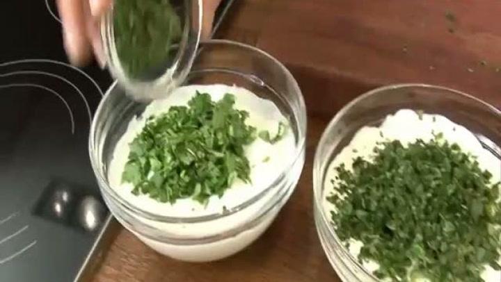 Hvordan lage grunndressing med urter