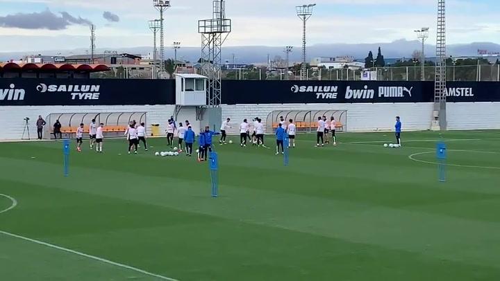 Rodrigo, ausente en el entrenamiento del Valencia