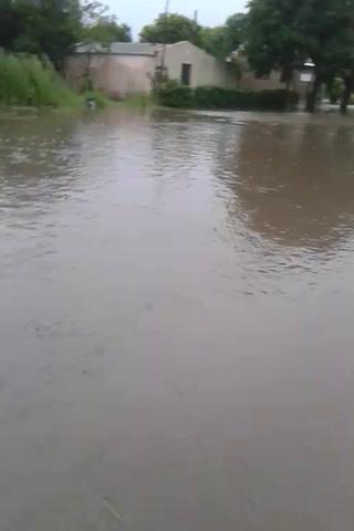 Por el temporal, estiman que el 70% de la población de Irazusta quedó bajo agua