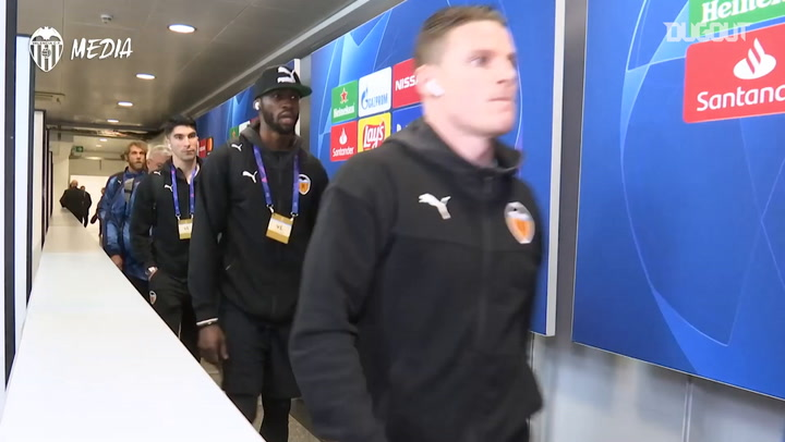 Behind the scenes: Valencia CF's First Leg Trip to Atalanta