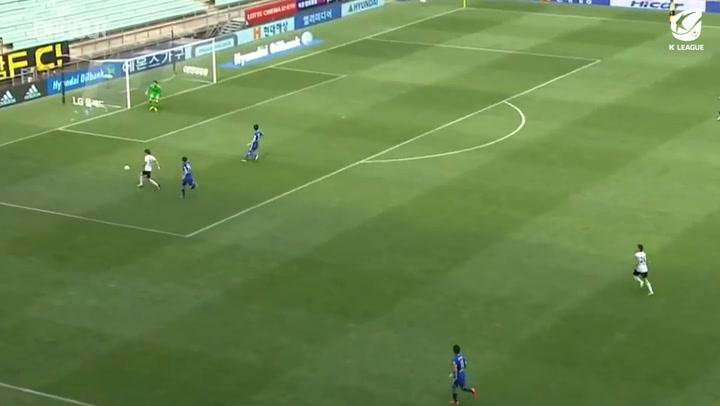 Hwang Ui-jo's ferocious finish against Ulsan
