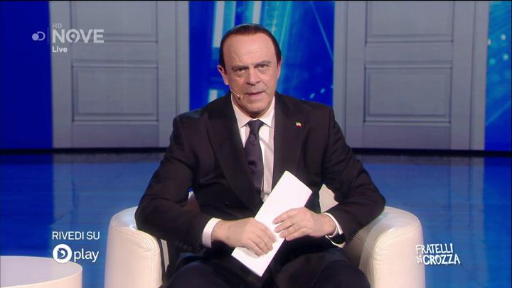 """L'esilarante imitazione di Crozza-Berlusconi tra amnesie e pisolini: """"Lascio tutto a Formigoni! Ah, è stato condannato?"""""""